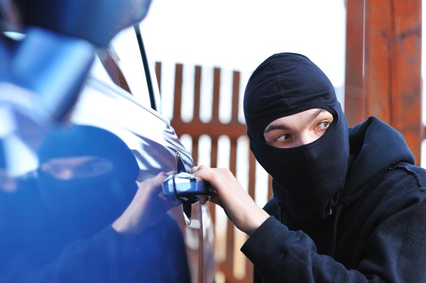 prevenirea furturilor de bunuri din masini